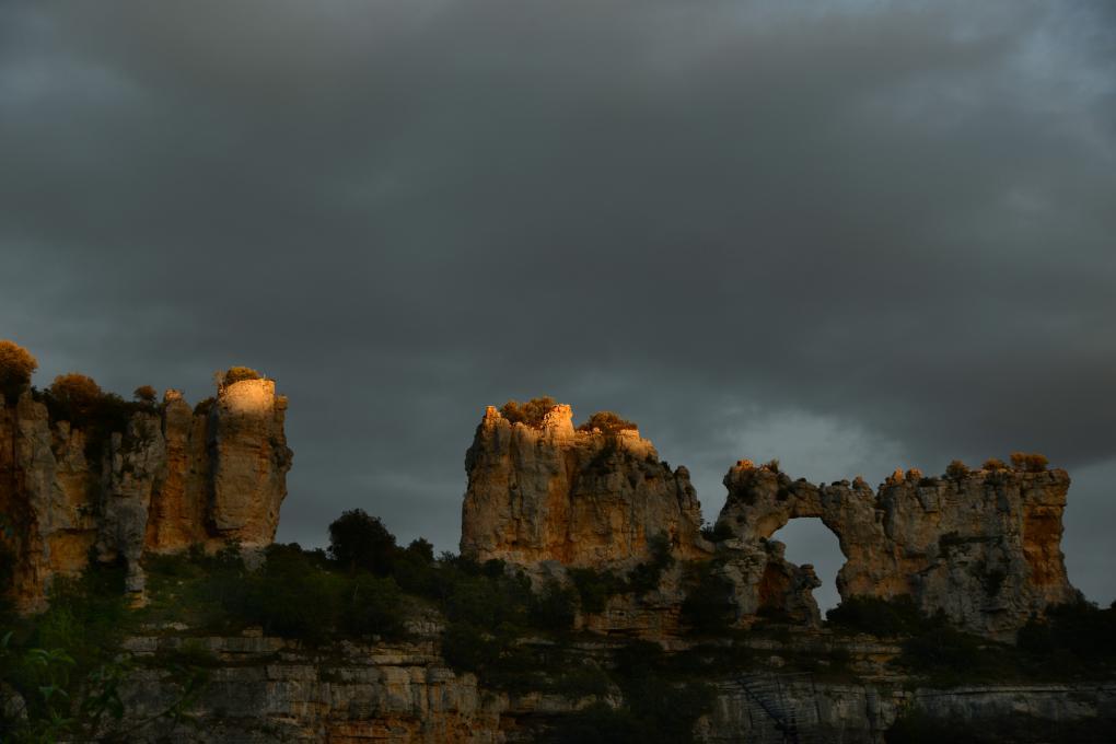 Sin duda, 'Juego de Tronos' se pudo haber rodado aquí, en los arallones del Castillo de Hoces.