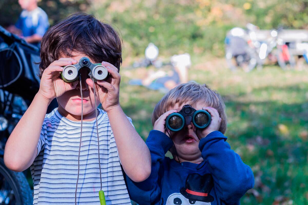 Plazaola: Observando los detalles durante el recorrido. Foto: Pekebikers