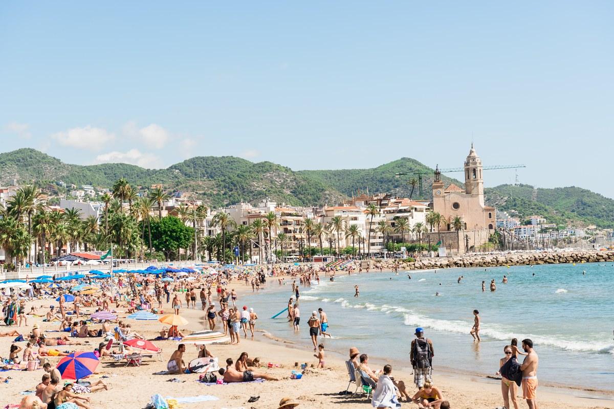 Sitges disfruta de 20 kilómetros de costa y 26 playas. Foto: Shutterstock.