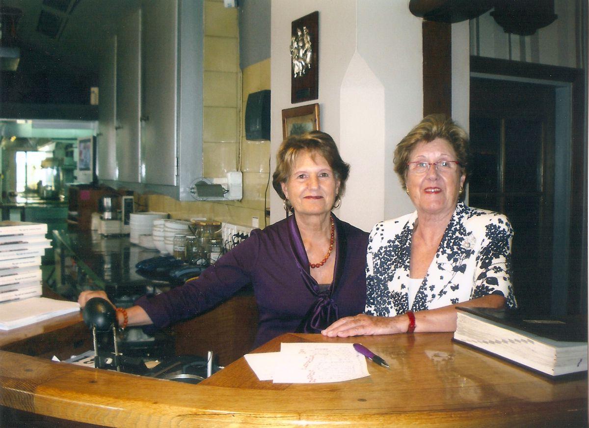 Las hermanas Rexach, toda una institución. Foto: Restaurante Hispània.
