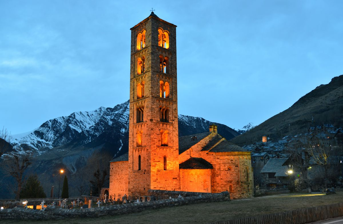 En Tahüll, en el Valle de Boí, se encuentra la iglesia de San Vicente. Foto: Alfredo Merino.