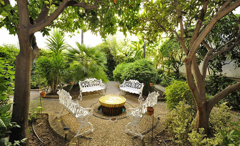 El otro patio de los Naranjos, hotel Exe Conquistador