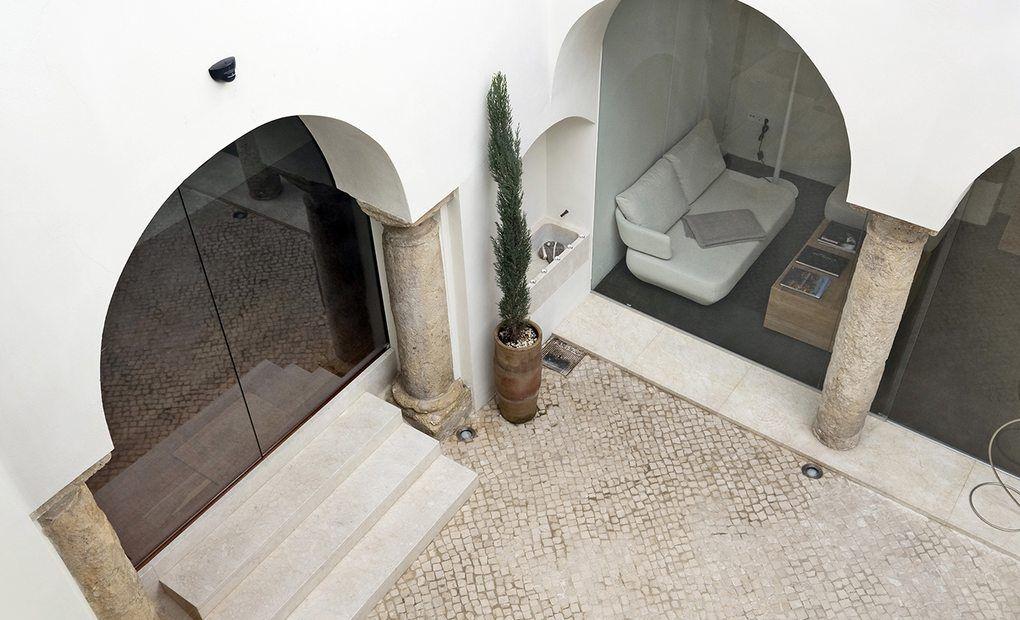 Un soplo de modernidad, Hotel Viento 10