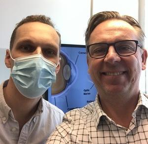 Optiker Andreas Asplund och vår försäljningschef Valle Gudmundsson