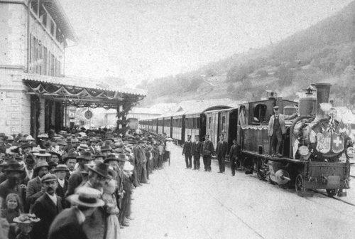 Viafier retica: locomotivas e trens