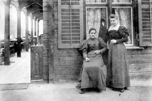 Babette Zarn - im Tenigerbad Val Sumvitg 1898