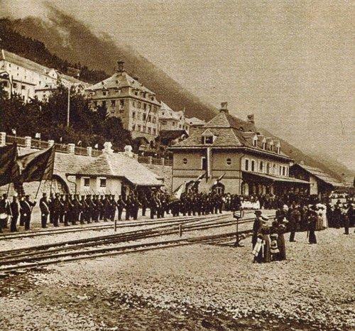 Emprem tren 1912 a Mustér