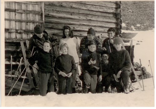Skiada da cumpagnia giuvenils da Tschlin (Valsot), ca. 1965