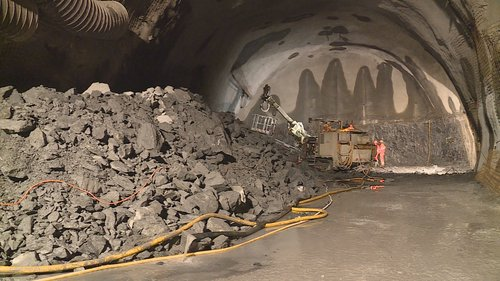 Tunnel d'Alvra RhB: start per il nov tunnel