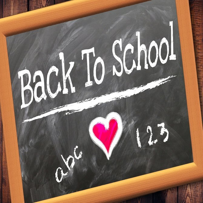Rsz back to school 2628012 1280 mobile