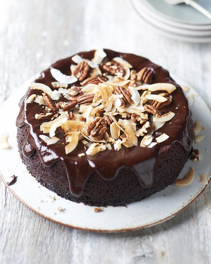 Groovy sticky t cake6356