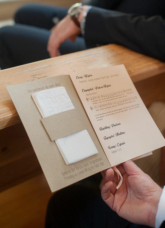 libretto messa con fazzoletto e1585735844999 - Libretto Messa Matrimonio: come realizzarlo