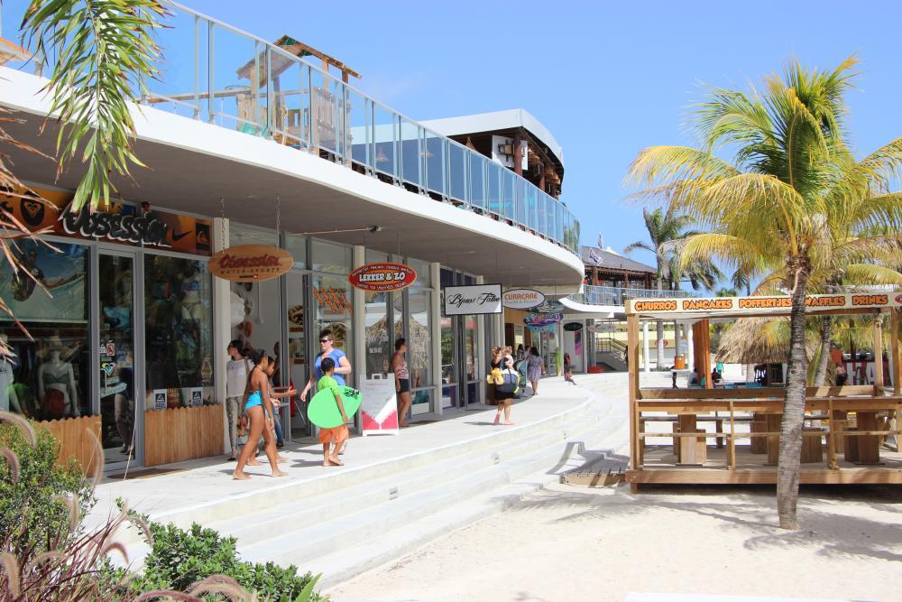Mambo Beach Boulevard (BLVD)