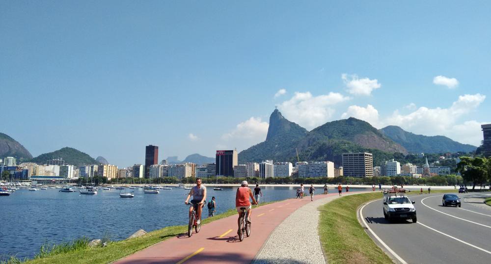 Langs de stranden van Rio fietsen