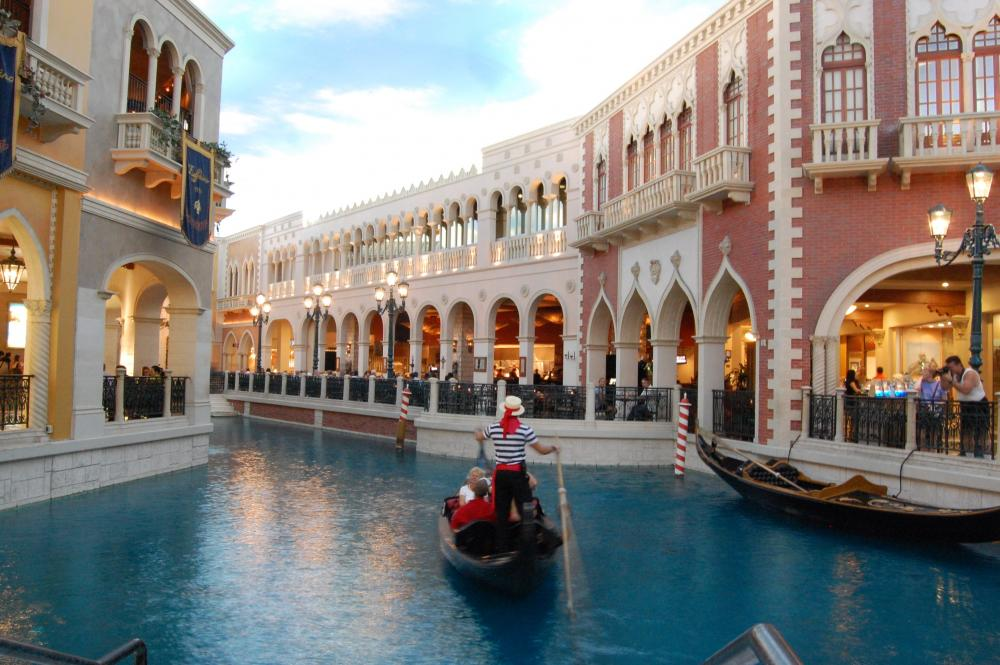 Indoor Gondola Ride in The Venetian
