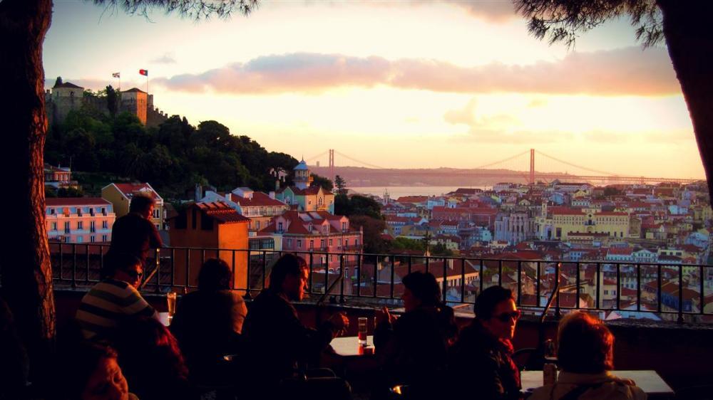 Lissabon, Zonsondergang, Fado & Tapas