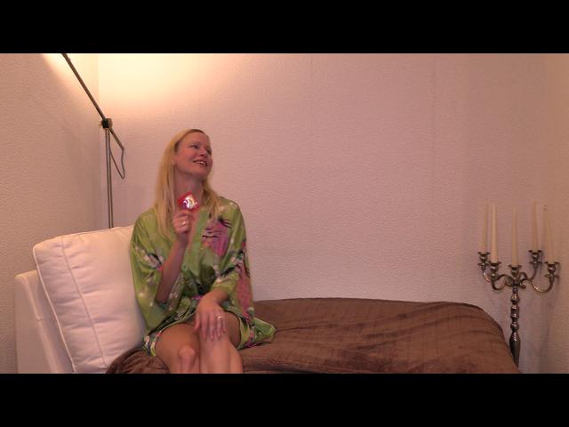 Vorschaubild Video von CrazyPoppy