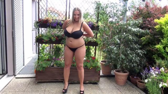 Tamara - Titten raus es ist Sommer!