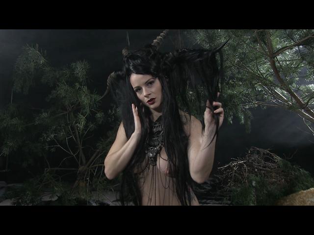 Dämonische Göttin