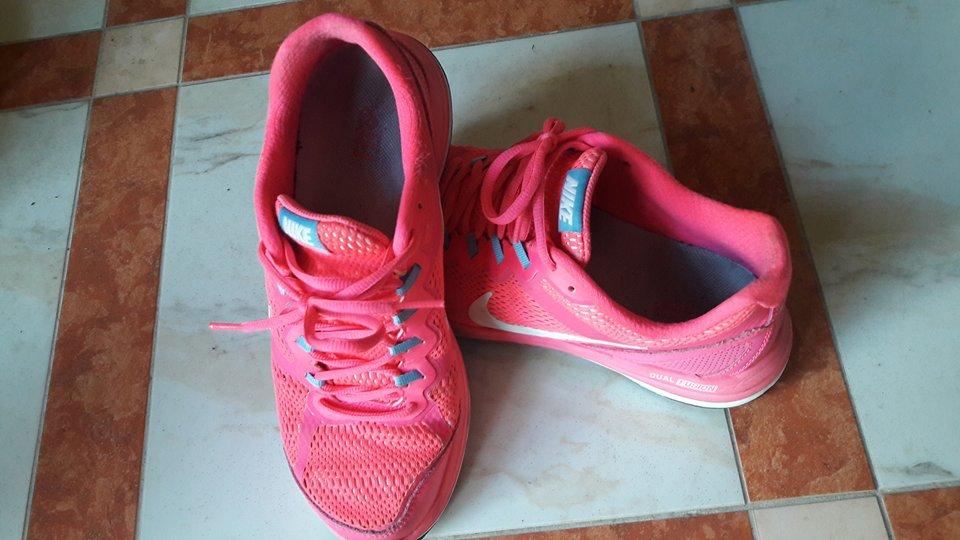 Sport Schuhe pink