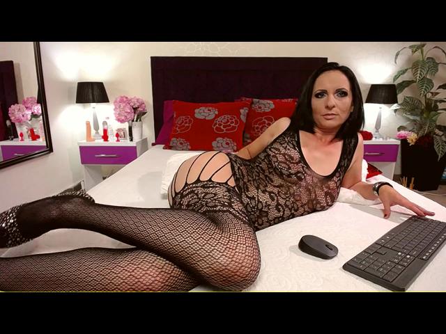 Heißes sexy schwarzes Outfit für dich!