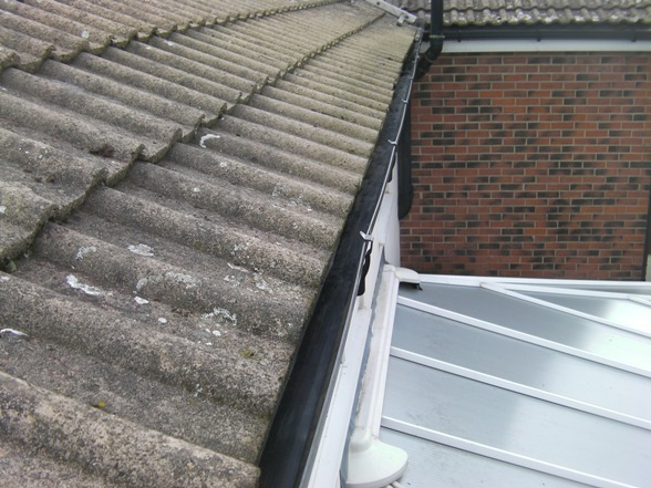 Gutter Clearing Cleaning Amp Downpipes Unblocked