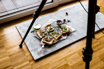 Setaufbau für Ihr Food-Foto nah am Fenster