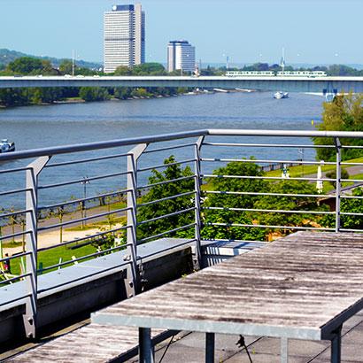 Aussicht von unserer Dachterrasse auf den Rhein