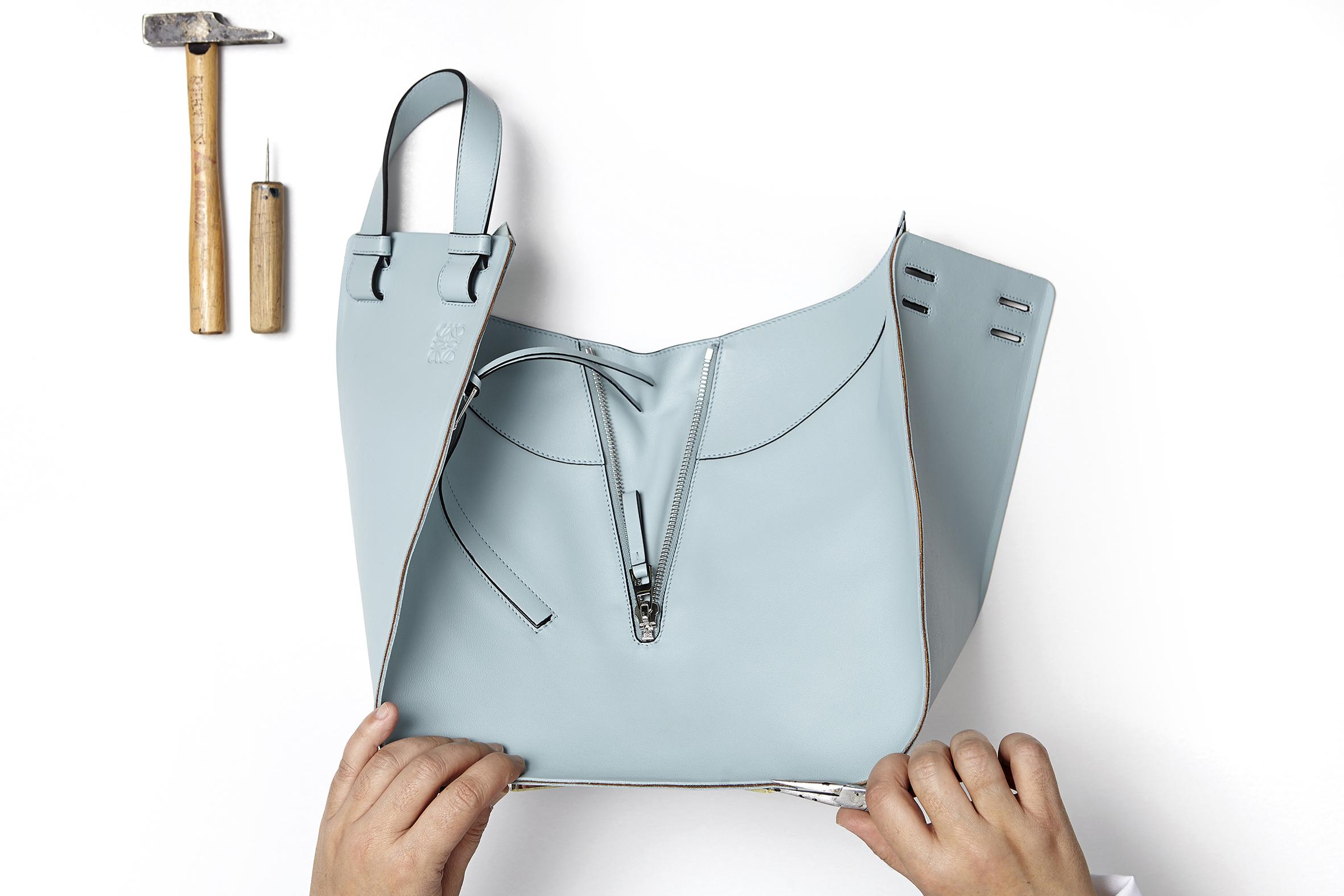 Loewe-ya-no-es una-marca-de-moda-española
