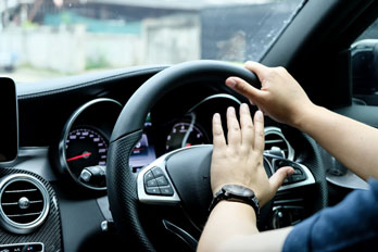 Driving behaviour differences: using the horn