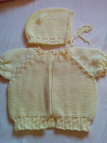 Sarı Bebek Yeleği ve Şapkası