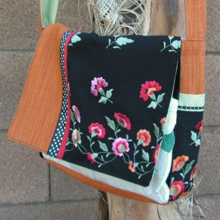 Çiçekli Çanta