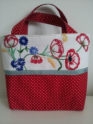 Kırmızı Çiçekli Çanta