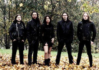 Alytiškiai Helovyną šventė su grupe Berserker
