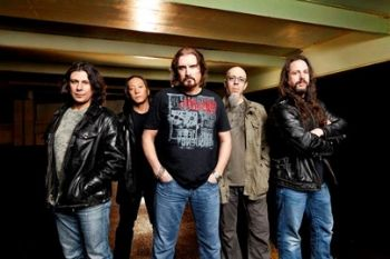 Dream Theater triūsia studijoje