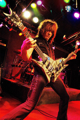 Lietuvoje svečiuosis greičiausias pasaulio gitaristas Michael Angelo Batio