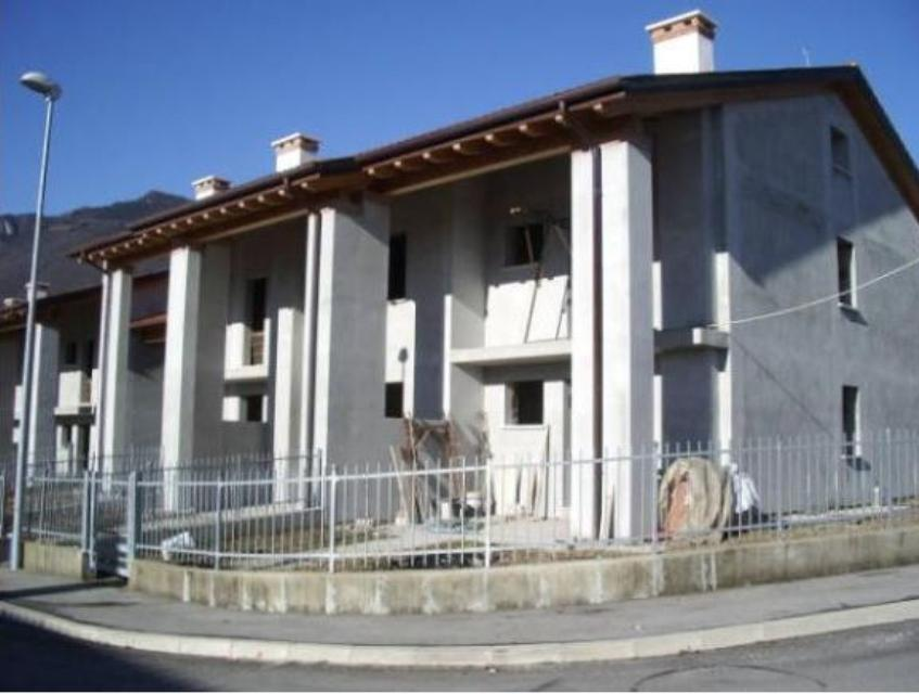 5 bedroom villa to finish internally located in sant for Borso del grappa piscine