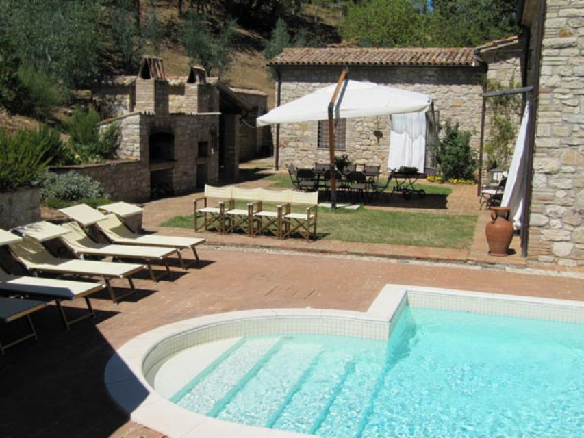 Renovated country house with swimming pool ref 587 for Egizi arredamenti avigliano umbro