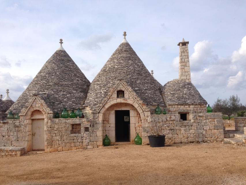 Trulli mace castellana grotte puglia italian holiday for 1 homes in italy