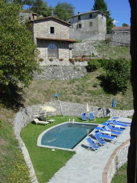 Large restored property of 3 units with private swimming - Large holiday homes with swimming pool ...