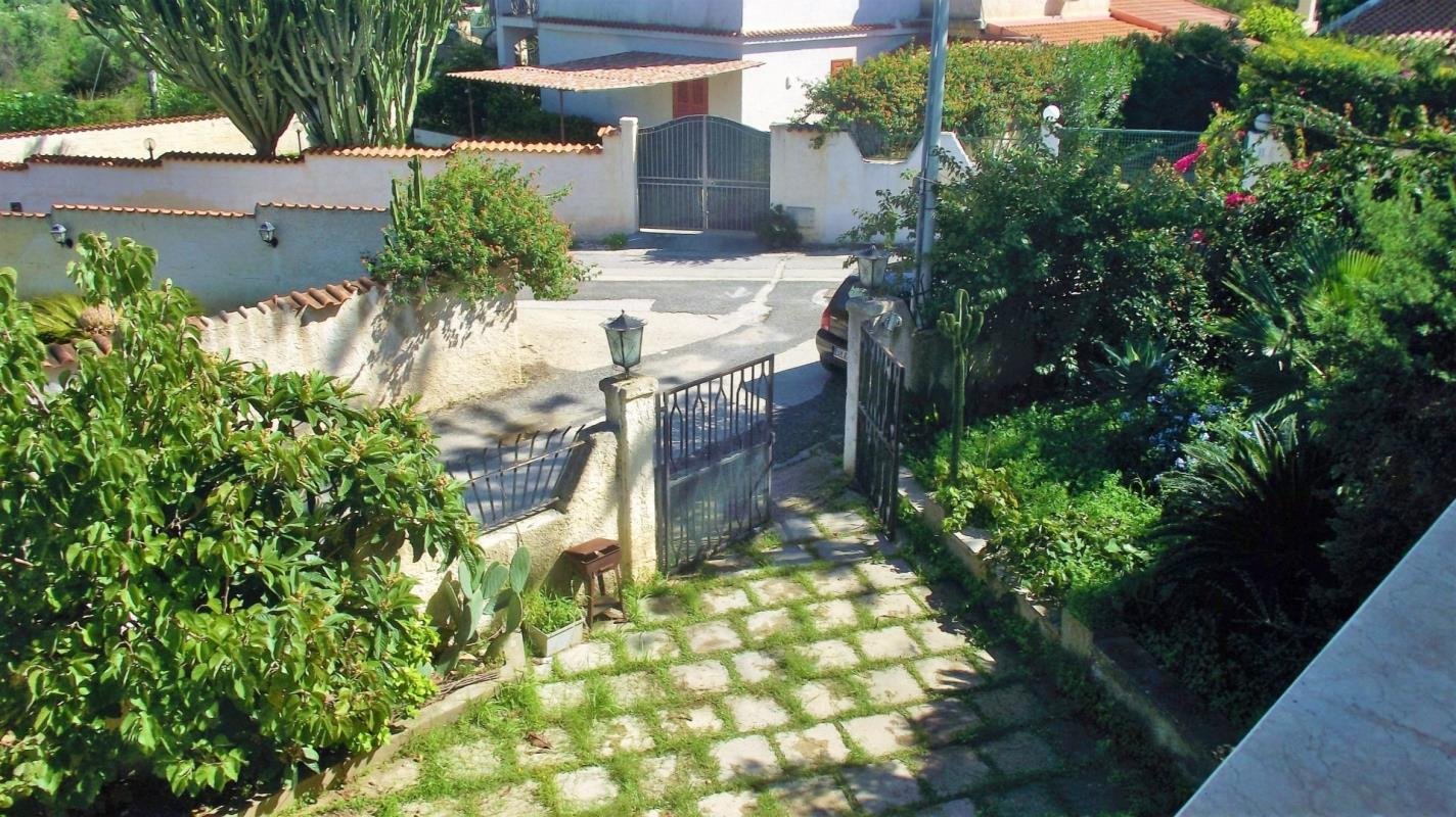 3 bedroom home near beach in sicily ref 067 16 fontane bianche