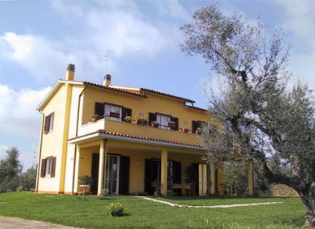 4 bedroom country house with olive grove ref casa michela for Italian country homes
