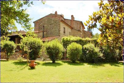 4 Bedroom Country Home In Tuscany Ref Sbr01 Arezzo Tuscany Italian Holiday Homes And Investment Property For Sale,Bedroom Sets Rooms To Go Kids