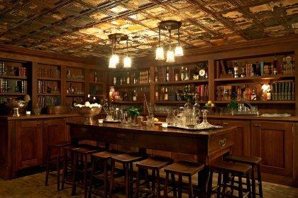 美酒与书籍的邂逅——伦敦的五大图书馆酒吧