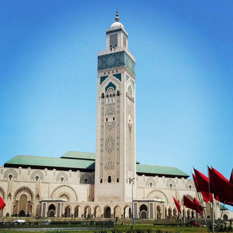 Günstig nach Marokko: Hassan Turm der Moschee