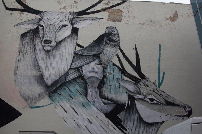 Streetart Berlin Beast Scape
