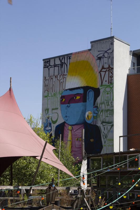 Streetart Berlin Der blaue Indianer