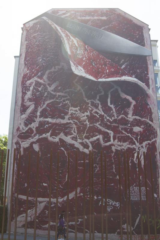Streetart Berlin Well done Steak-Art