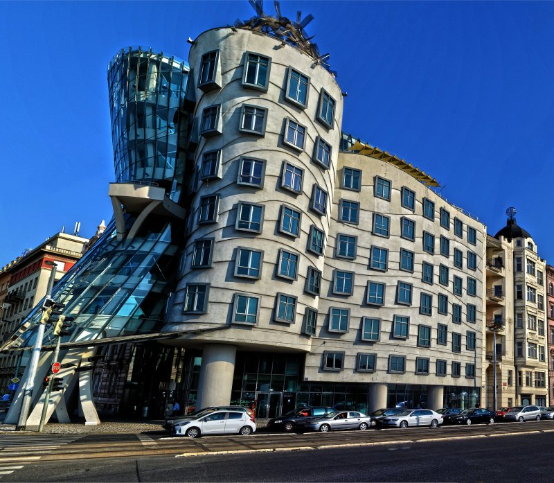 The bizarre building of the Dancing House created by the genius of Frank Gehry