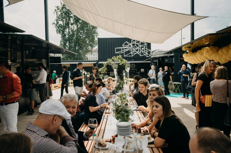 Overview of the Manifesto Street Food Market in Prague